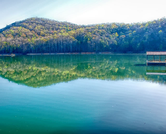 Cove Norris on Norris Lake in Caryville Tennessee